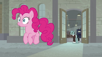 Pinkie Pie freezes in midair S9E14
