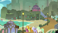 Ponies and Hippogriffs at Mount Aris beach S8E6.png