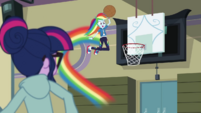 Rainbow Dash jumps up to the hoop CYOE4b