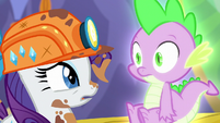 "Rarity ""But remember that rotten Garble?""; Spike's pupils shrink S6E5"