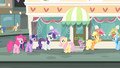 Rarity '...of the most glamorous city in Equestria!' S4E08.png