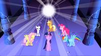 S01E02 Twilight zdaje sobie sprawę z mocy drzemiącej w niej i w przyjaciółkach