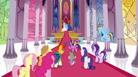 Twilight Sparkle suggests returning to the castle S7E25