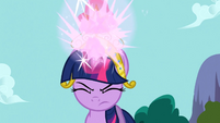 Twilight activates the Element of Magic S3E10
