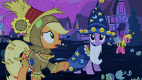 Applejack 'goin' our way' S2E04