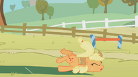 Applejack fails S01E13