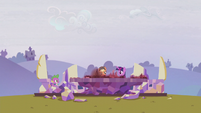 Applejack looking at the Cutie Map S5E25