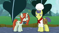 Crackle Cosette gossips about Earth ponies S9E24