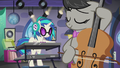 DJ Pon-3 and Octavia playing together S5E9.png