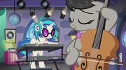 DJ Pon-3 and Octavia playing together S5E9