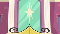 Decorative star over Canterlot High entrance EGFF