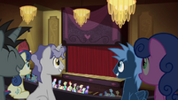 Ponies in an auditorium S4E25