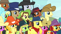 Spectator ponies moved by Trouble Shoes' words S5E6