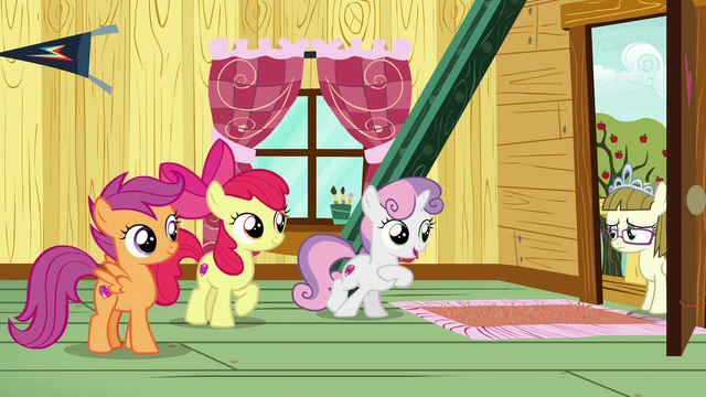 File:Sweetie Belle invites Zipporwhill into clubhouse S7E6.png