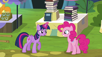Twilight -might as well trade away some books- S4E22