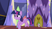Twilight Sparkle chases after Flurry Heart S7E3