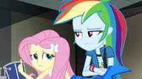 Fluttershy chimes in -I'm trying- EG2