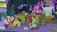 "Pinkie ""step away from the wagons!"" S9E17"