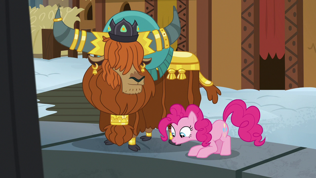 File:Pinkie Pie admiring the Yakyakistan fire pit S7E11.png