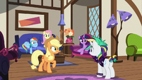 Rarity's friends impressed by her confidence S7E19