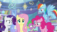 Rest of Twilight's friends also scared S9E25
