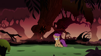 Scootaloo walking S3E06