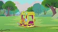Snips and Snails pulling Trixie's carriage S3E05