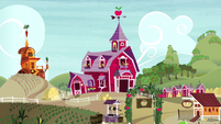 Sweet Apple Acres exterior shot S5E4