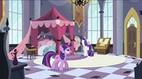 Twilight walking S2E25