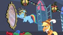 'Rainbow Dash! Rainbow Dash!' S2E11