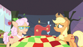 Applejack be exciting S3E8.png