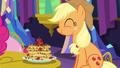 Applejack eating pancakes S5E03.png