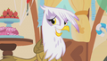 Gilda forced smile S01E05.png