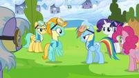 Rainbow Dash talks to Lightning Dust S3E07