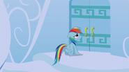 S06E07 Rainbow przy drzwiach swojego domu