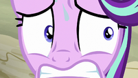 Starlight Glimmer under overwhelming pressure S6E25