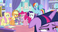 Twilight's friends worried about her S9E25