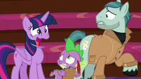 "Twilight Sparkle awkwardly ""yeah!"" S8E7"