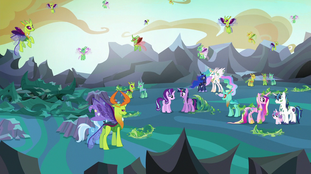 File:Twilight Sparkle looking at her surroundings S6E26.png