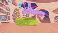 Twilight leaping over the bust S2E02