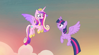 Twilight thanking Cadance S4E11