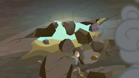 Cave ceiling breaks apart S7E4