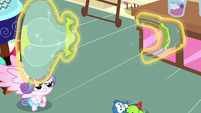 Flurry Heart splits balloon toy into two pieces S7E3