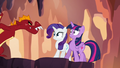 Garble approaching Twilight and Rarity S6E5.png