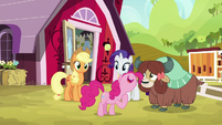 """Pinkie """"because if you asked me"""" S9E7"""