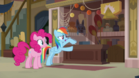 Rainbow rings the front desk bell over and over S7E18