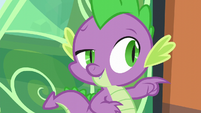 Spike points at Twilight S6E2