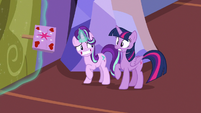Starlight Glimmer closes the castle doors S7E14