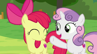 Sweetie Belle -working together and helping each other- S7E21