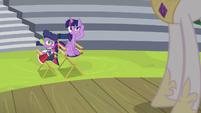 Twilight and Spike unable to hear Celestia S8E7
